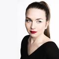 Az emlékezés íze - Madeleine Moment címmel jelentetett meg új dalt Karosi Júlia