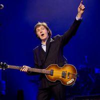 Paul McCartney is beszállt az új internetes őrületbe és próbababázott egyet