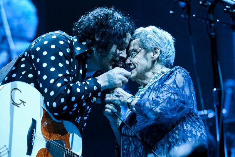 jack-white-and-his-mom.jpg