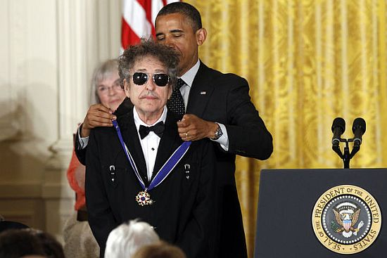 bob_dylan_barack_obama_medal_of_freedom_01.jpg