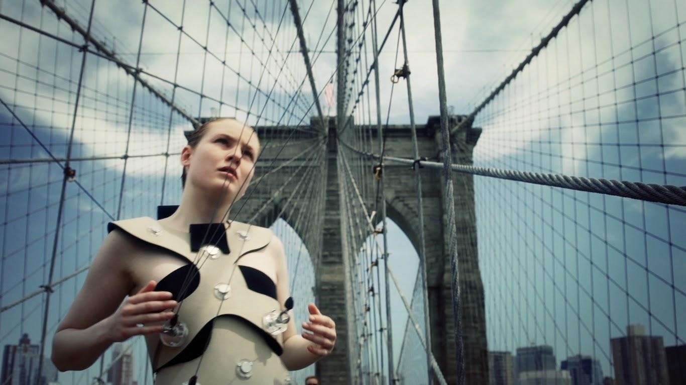 Di Mainstone_Brooklyn Bridge_Dancer_1_Photo credits Martin Noboa.jpg