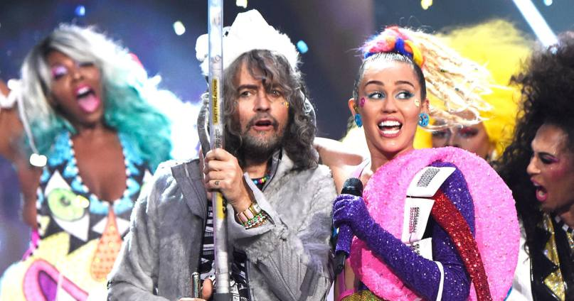flaming-lips-and-miley.jpg