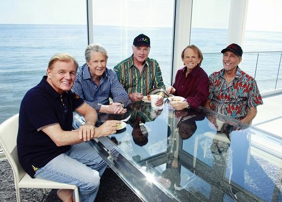 The-Beach-Boys-at-table-2012-Guy-Webster1.jpg