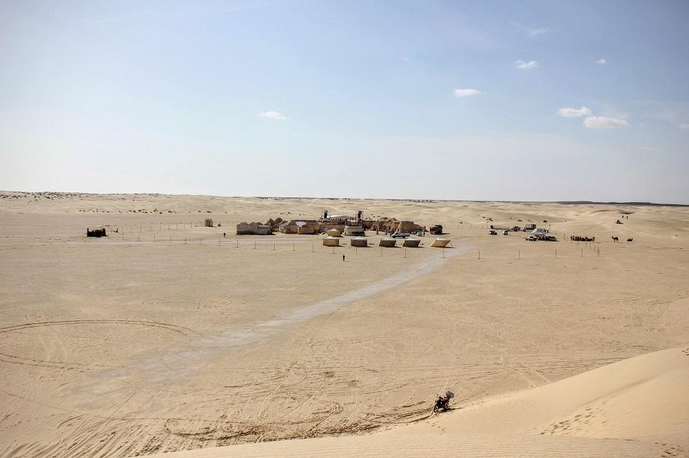 Mos Espa a homokdűnéről