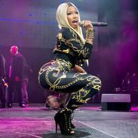 BREAKING!!! Nicki Minaj odaégette a rántott húst
