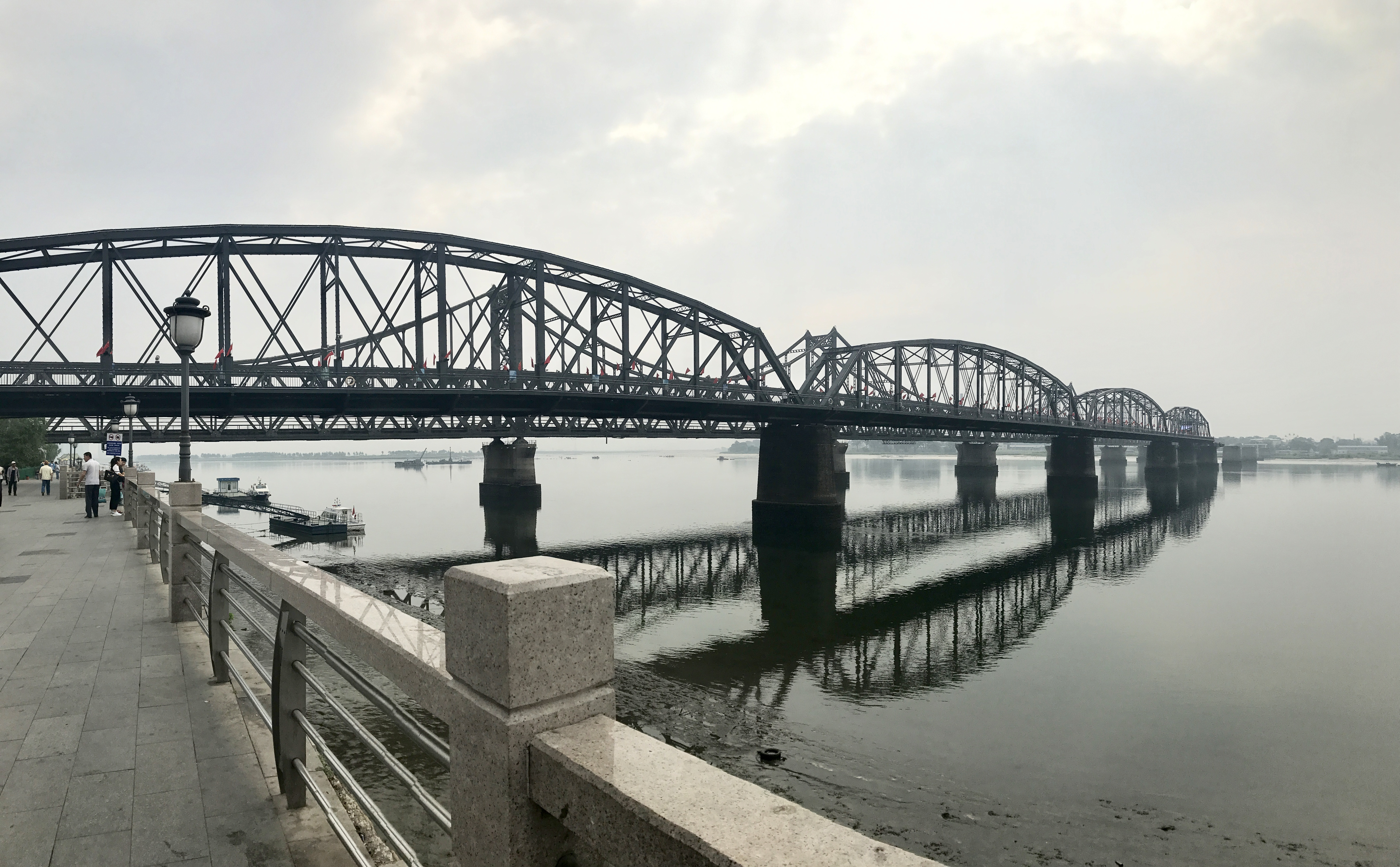 dprk_dandong_sino-korean_friendship_bridge.jpg