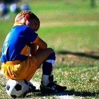 Botrányos játékvezetés a megyei labdarúgó mérkőzéseken