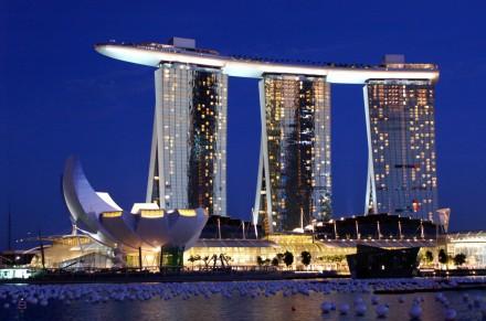 Marina-Bay-Sands-Hotel-Skypark-Singapore.jpg