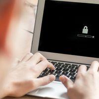 Laptop jelszavas védelme és annak alternatívái