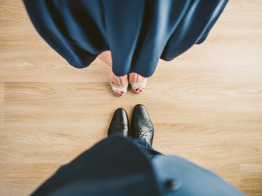 suit-couple-blue-shoes_1.jpg
