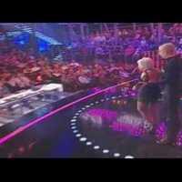 Sarah 'Paddy' Jones akrobatikus salsát táncol 75 évesen