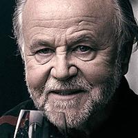 Portré: Megkésve bár, de... - Haumann Péter