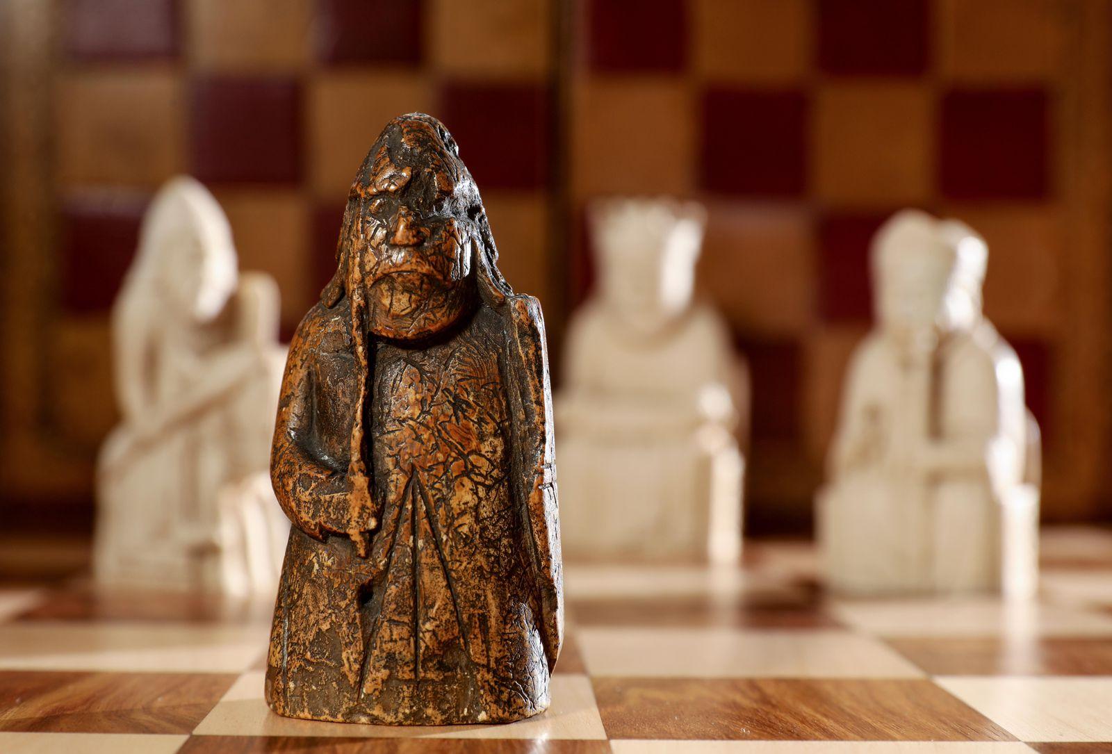 a_lewis_chessman_9.jpg