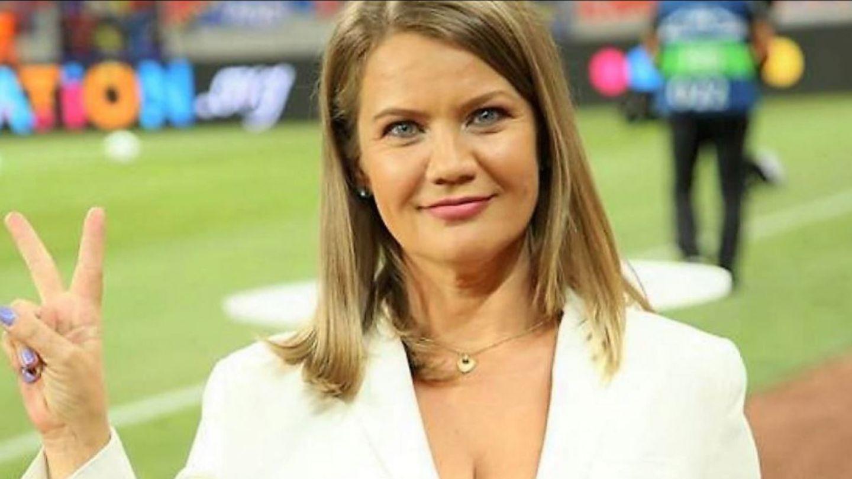 ioana-cosma-prima-femeie-comentator-la-euro-2020-mesaje-vedetelor-pro-tv-au-devenit-virale_5_size24.jpg