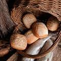Milyen kenyeret kérünk a Miatyánkban?