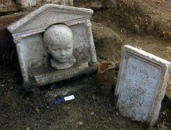 necropolis_s_rosa_child_tombstone.jpg