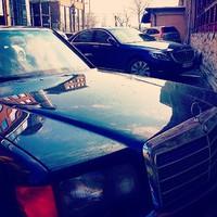 Old boy and New boy. A W126-os és az új, W222-es Mercedes S-osztály egy képen. Ritka pillanat. #LaurenBlog #Mercedes