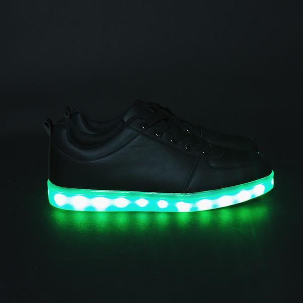 3d246d9f90 Újra divat a világítós cipő - Lauren Blog