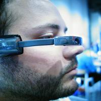Bemutatkozott a Vuzix M100 prototípusa a CES 2013 -on