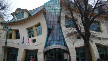 Ilyen épület nincs. Vagy mégis?
