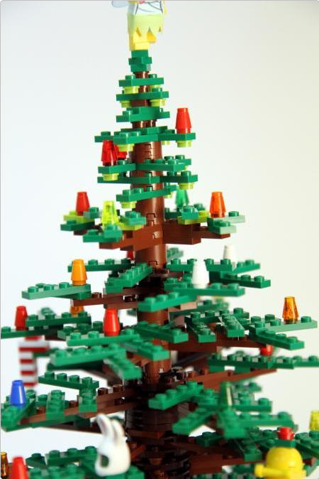 15-amazing-christmas-trees-design-7.png