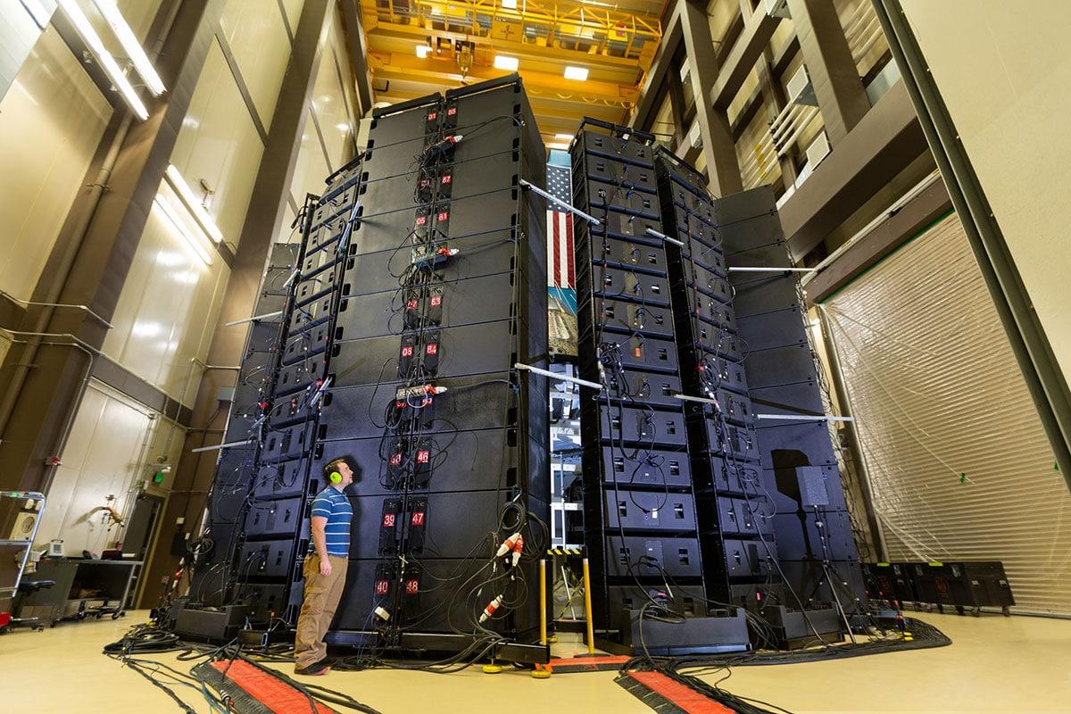 lockheed-speaker.jpg