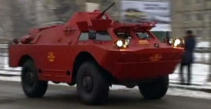 safest-taxi-in-russia-brdm-2-combat-command-reconnaissance-vehicle5.jpg
