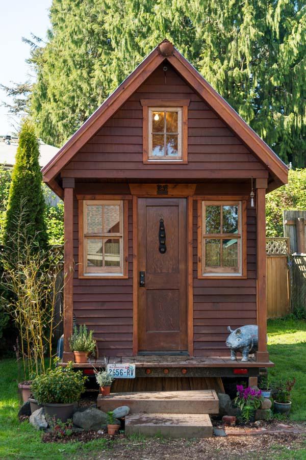 tiny-house-exterior.jpg