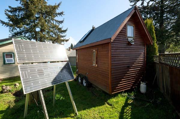 tiny-house-solar-power-panels.jpg