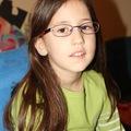 Lea szemüveges lett