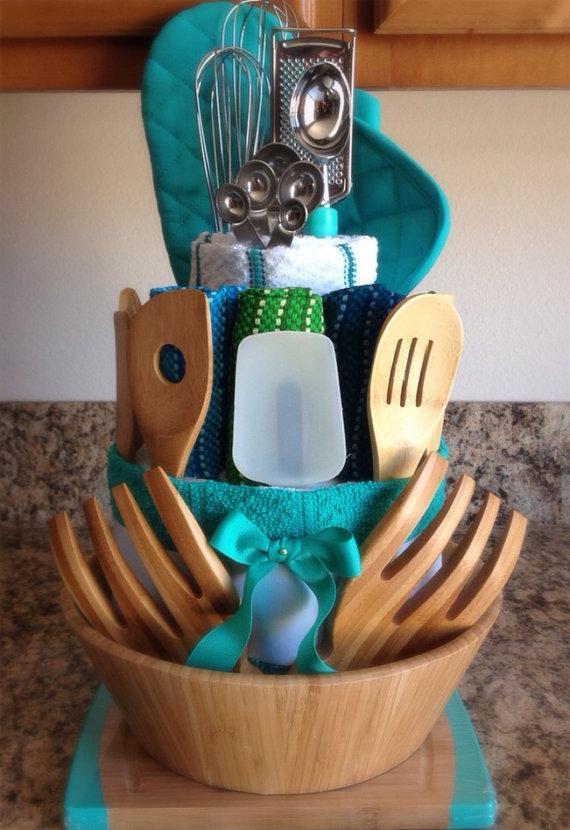 Valami a konyhába: konyhai eszközök ajándék kosár