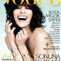 Milla Jovovich a Vogue címlapján