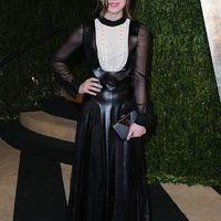 Hailee Steinfeld bőrruhában az Oscar partin