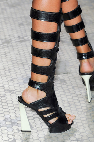 spring_summer_2013_shoe_-trends_strappy_boots_Proenza_Schouler_Spring2013.jpg