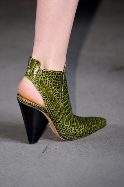 spring_summer_2013_shoe_trends_pointed_shoes_Derek_Lam_spring2013.jpg