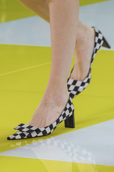 spring_summer_2013_shoe_trends_pointed_shoes_Louis_Vuitton_spring2013.jpg