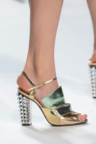 spring_summer_2013_shoe_trends_metallic_shoes_Fendi_Spring_2013.jpg