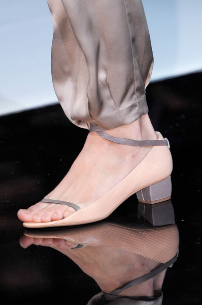 spring_summer_2013_shoe_trends_square_kitten_heels_emporio_armani_spring2013.jpg