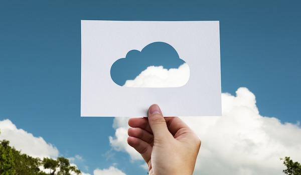 cloud-2104829_1920.jpg