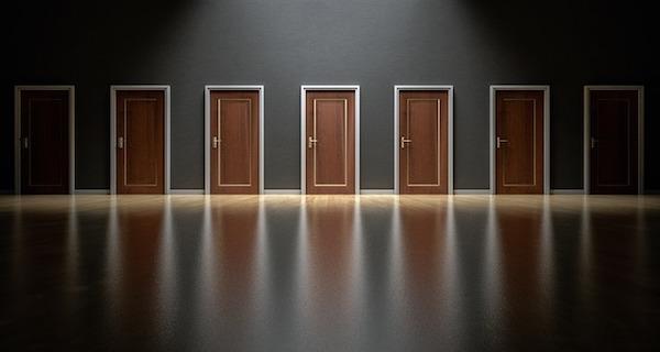 doors-1587329_640.jpg
