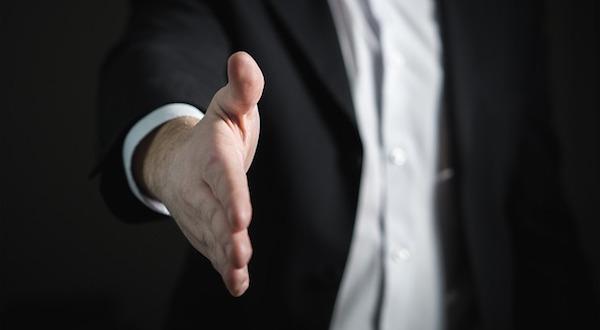 handshake-2056023_640.jpg