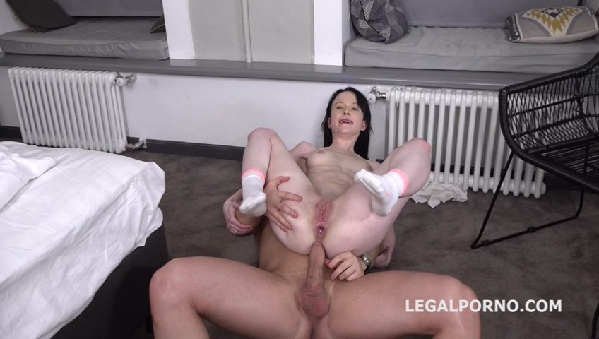 _legalporno_sweetie_plum_first_time_anal_with_farts_01_09_20_mp4_20200219_140233_176.jpg