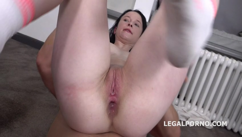_legalporno_sweetie_plum_first_time_anal_with_farts_01_09_20_mp4_20200219_140236_496.jpg