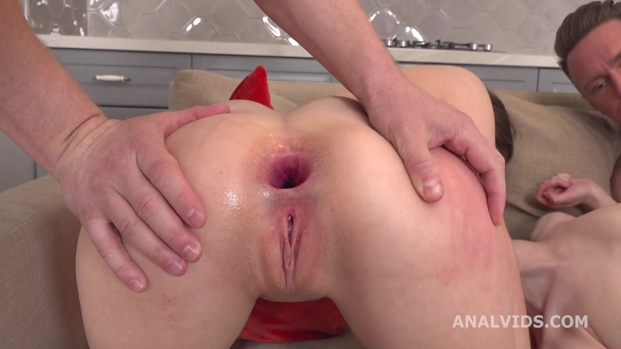 gape_and_pee_stasia_si_and_sweet_plum_3on2_balls_deep_anal_gapes_pee_and_messy_cumshot_gl205_mp4_20200624_150837_564.jpg