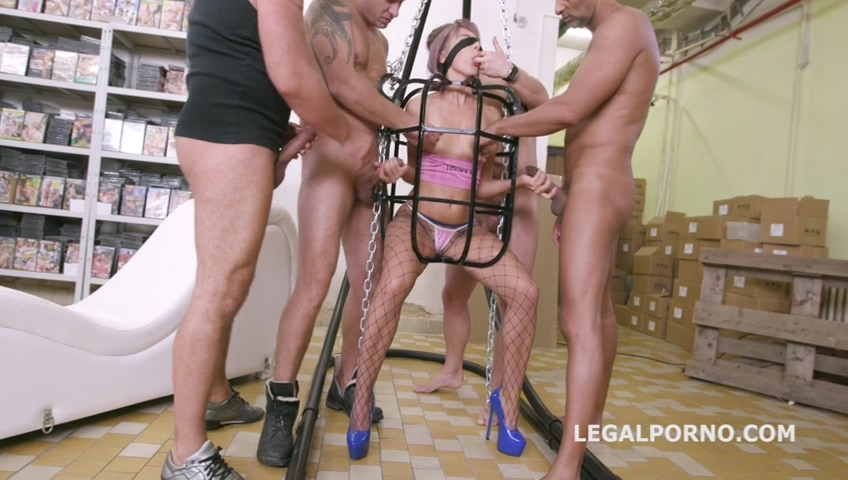 legalporno_vicky_sol_rough_fucking_with_balls_deep_anal_squirt_drink_dap_mp4_20191216_151920_994.jpg