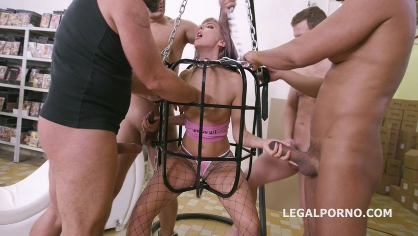 legalporno_vicky_sol_rough_fucking_with_balls_deep_anal_squirt_drink_dap_mp4_20191216_151933_074.jpg