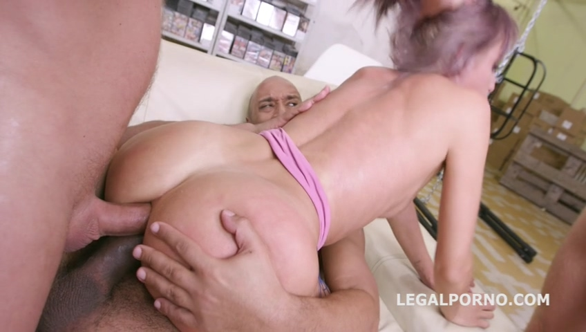 legalporno_vicky_sol_rough_fucking_with_balls_deep_anal_squirt_drink_dap_mp4_20191216_152357_576.jpg