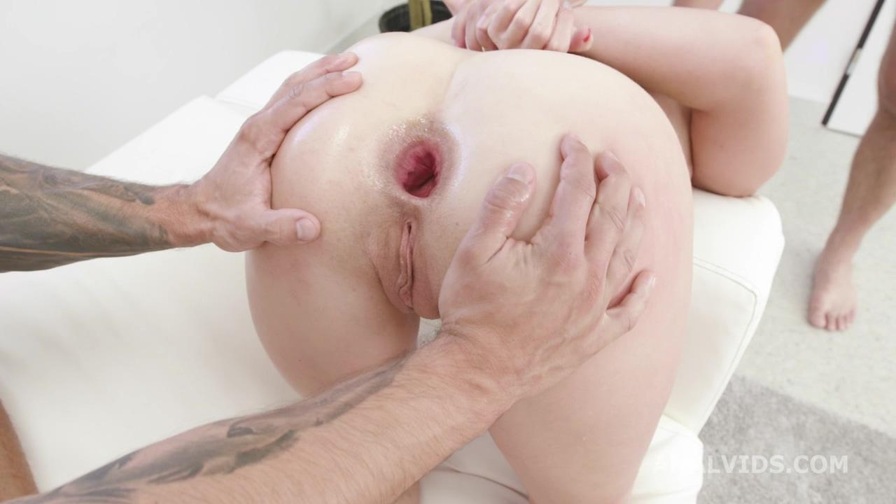 manhandle_susan_ayn_balls_deep_anal_dap_rough_sex_creampie_to_swallow_gio1530_720p_mp4_20200901_133603_739.jpg