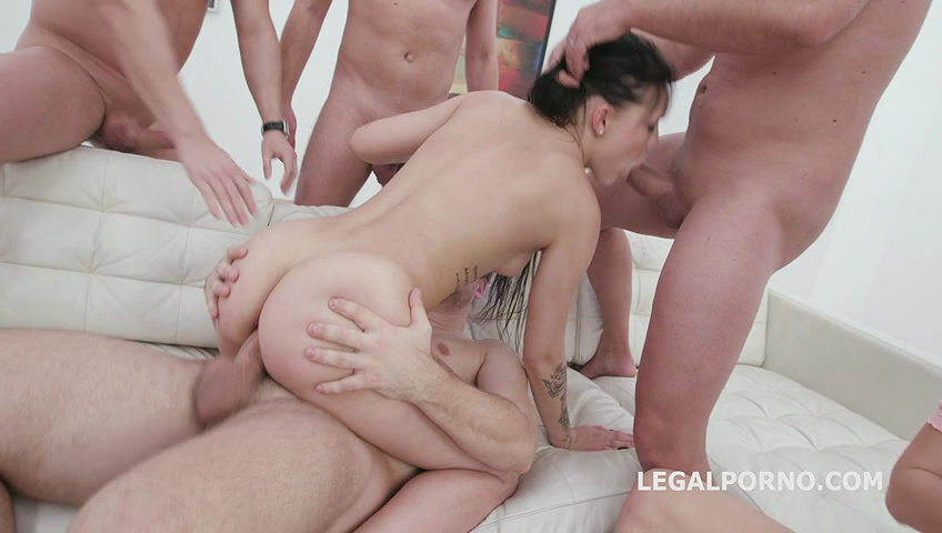 _legalporno_lady_zee_first_time_dap_02_03_20_mp4_20200227_141434_392.jpg