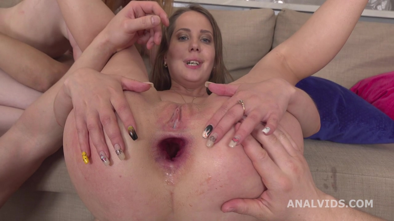 gape_and_pee_stasia_si_and_sweet_plum_3on2_balls_deep_anal_gapes_pee_and_messy_cumshot_gl205_mp4_20200624_152703_648.jpg